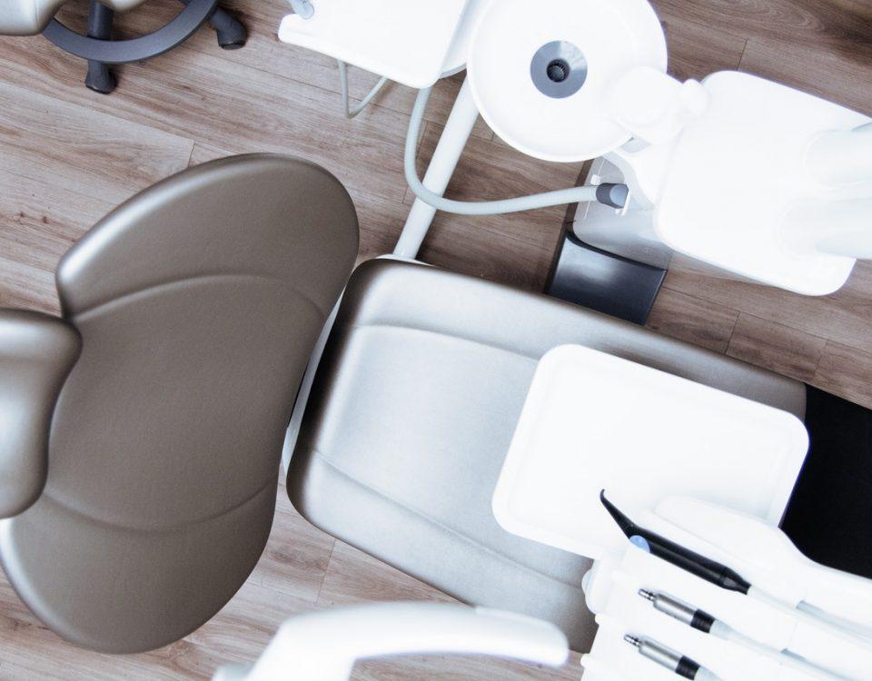 Zdrowy ząb do leczenia kanałowego